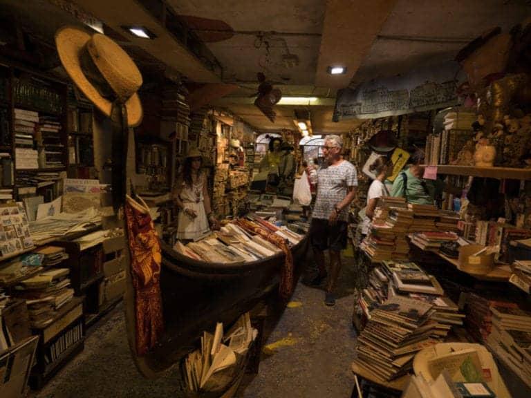 Books and Boats! The unique beauty of Venice's Libreria Acqua Alta