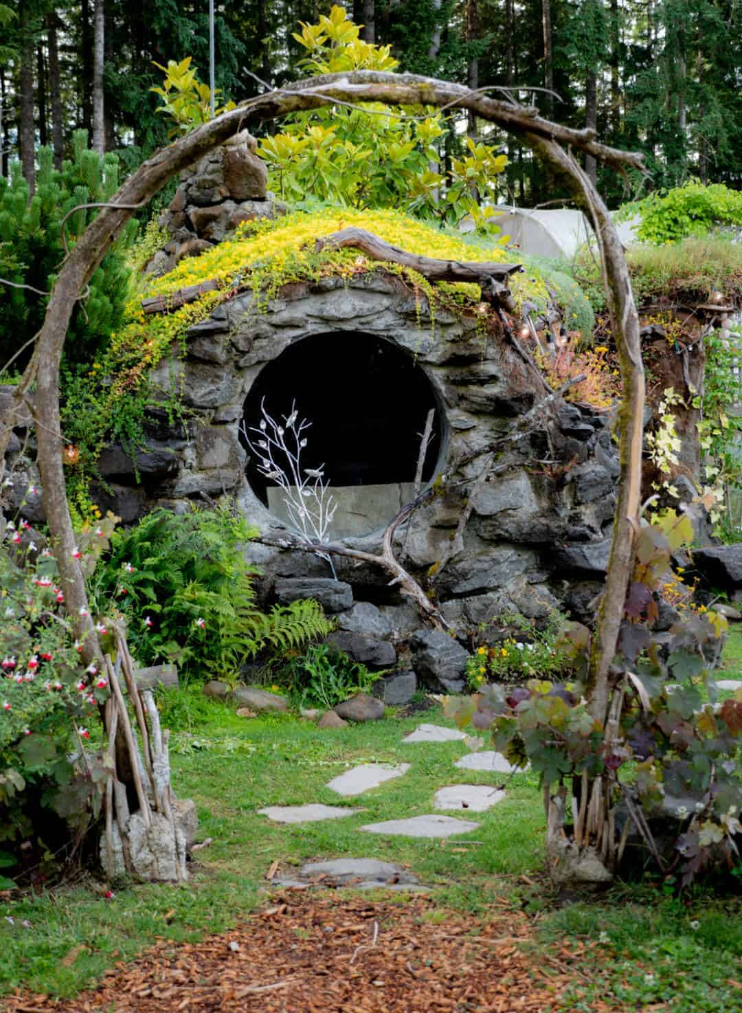Hobbit house side