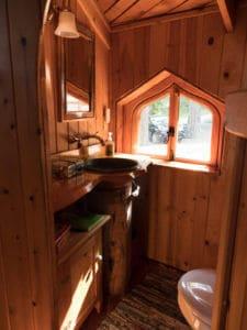forest house bathroom