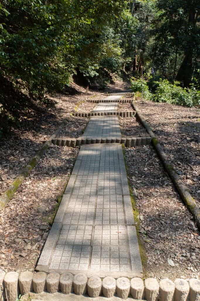 Path up the hill near Nanzen-ji Oku-no-in